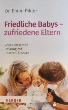 Friedliche Babys-zufriedene Eltern