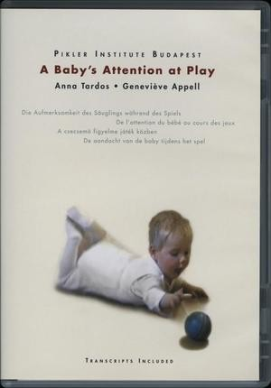 A Baby's Attention at Play / Die Aufmerksamkeit des Säuglings wahrend des Spiels / De l'attention du bébé au cours des jeux / A csecsemő figyelme játék közben /De aandacht van de baby tijdens het spel